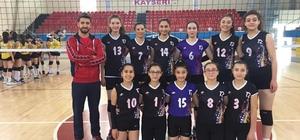 Bölgesel Lig Bayanlar Voleybol'da İzzet Öksüzkayaspor finalde