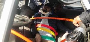 Otomobiller çarpıştı: 11 yaralı