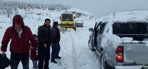 Bozdağ Kayak Merkezi yolunda kurtarma operasyonu