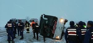 Kayseri'de otobüs devrildi, yaralılar var