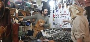 14. Sevgililer Günü Hediyelik Eşya, El Sanatları ve Yöresel Ürünler Fuarı Mersin'de açıldı Bu yıl 14 gün boyunca açık olacak fuarda, 125 stant kuruldu