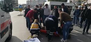 Kocaeli'nde motosiklet ile minibüs çarpıştı: 1 yaralı