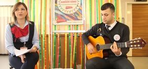 Onkoloji hastalarına müzikli moral desteği