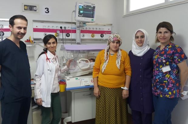 Kalbi duran prematüre bebek hayata tutunmayı başardı