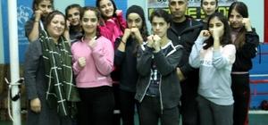 Siirtli kadın boksörler şampiyonaya hazır