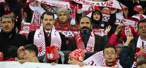 Spor Toto Süper Lig: DG Sivasspor: 1 - Akhisarspor: 0 (İlk yarı)