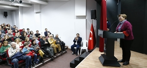 """Yazgan, """"Bir Tatlı Telaş"""" ile İzmirlilerle buluştu"""