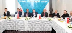 """Mersin GİAD, CHP'li adayları ağırladı Mersin GİAD Başkanı İzol: """"Siyasi parti ayrımı yapmadan kent için her kesimin elini taşın altına koyması gerekiyor"""""""