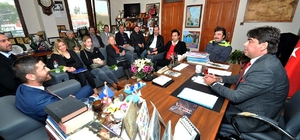 CHP'nin Foça adayından Başkan Demirağ'a ziyaret