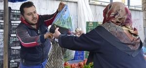 Eskişehir'deki pazar fiyatları da düştü Tanzim satışları ve iklim şartlarının iyileşmesi Eskişehir'e de olumlu etki yaptı Ortalama yüzde 30'luk bir düşüş yaşanan pazar fiyatlarının, ileriki günlerde daha da inmesi bekleniyor