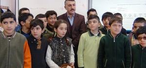 Minik öğrencilerden anlamlı bağış Ercişli öğrenciler, biriktirdikleri harçlıklarını Yemenli akranlarına gönderiyorlar