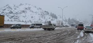 Eskişehir yeniden kara teslim oldu Çevre karayollarında ulaşım aksadı, Kütahya yolu bir süre trafiğe kapatıldı Şehrin yüksek kesimleri yeniden beyaz örtüye büründü