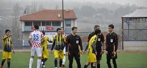 Söğütspor Yeşilyurtspor'u 4'lük yaptı Söğütsporlu Ali Şenlik hat-trick yaptı