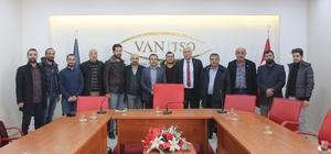 """Van Gönüllüleri Platformu'ndan 'yeşil alan' açıklaması Van Gölü Aktivistleri Derneği Başkanı Erdoğan Özel; """"Van'da yeşil alan sorunu var"""""""