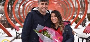 Sevgililer Günü'nde kalpler Sevgi Yolu'nda birleşti Bozüyük Belediyesi'nden Sevgililer Günü'ne özel fotoğraf etkinliği