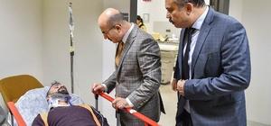 Vali Demirtaş yaralanan işçileri, hastanede ziyaret etti