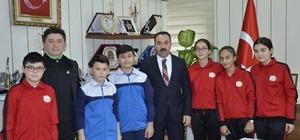 Jimnastik ve masa tenisi kafilesi Anadolu Yıldızlar Ligi'ne uğurlandı