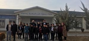 Akademisyenlerden sokakta çalıştırılan çocuklara destek