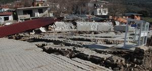 İzmir'de korkutan heyelan Köylüler evlerini boşaltılıyor