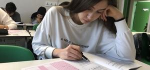İzmir'de 10 bine yakın öğrencinin bursluluk sınavı heyecanı