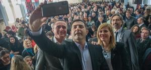 Kuşadası'nda CHP'ye 1384 kişi üye oldu