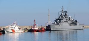 Trabzon'da kurulan deniz üssünün ilk askeri gemisi demirledi Türk Deniz Kuvvetleri Komutanlığının 9. deniz üssünün ilk askeri gemisi Yeniçam Limanı'na demirledi 9. deniz üssü fırkateyn, denizaltı ve hücumbot gibi donanmanın ana vurucu unsurlarına lojistik destek sağlayacak