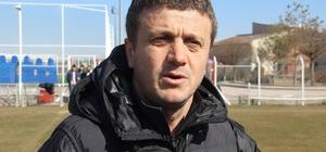 """Hakan Keleş: """"Hakemler hakkında açıklama yapmadık, yapmayacağız"""" DG Sivasspor Teknik Direktörü Keleş: """"VAR'ı kurcaladıkça sıkıntılar olacaktır"""" """"Hakemleri rahat bırakmamız gerekiyor"""""""