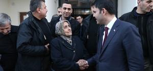"""Şehit annesi: """"Allah benim ömrümden alsın Cumhurbaşkanımıza versin"""" Şehit annesi, Bakan Kurum'dan Cumhurbaşkanına selamını iletmesini istedi"""