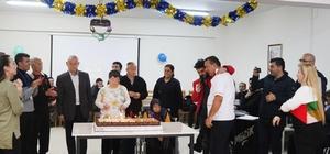 Yaşlılar yeni yaşlarına oynayarak 'merhaba' dedi Yaşamevinde yaşlılara toplu doğum günü etkinliği