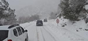 Erdek'te kar yağışı devam ediyor
