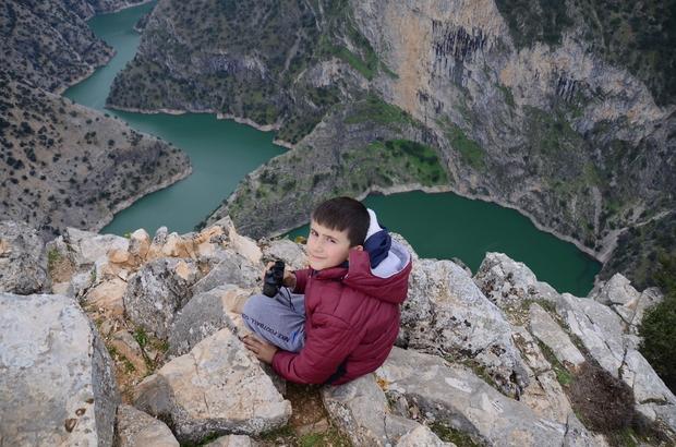 (Özel Haber) Arap Apıştı Kanyonu görenleri kendine hayran bırakıyor Doğal oluşumlu kanyon yüzlerce metrelik uçurumuyla keşfedilmeyi bekliyor 'Fakir Arap Çocuğu' efsanesi kanyona adını verdi