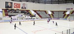 Gelenek bozulmadı Atatürk Üniversitesi, Buz Hokeyinde yine bir numara