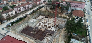 Kandıra hizmet binasının bodrum katları şekilleniyor