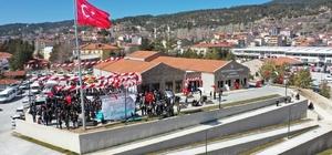 Yaşayan İnsan Hazinesi Hayri Dev'in adı ölümsüzleştirildi Denizli Büyüklehir Belediyesinden Hayri Dev'e 'büyük' vefa Hayri Dev Kültür Merkezi dualarla açıldı