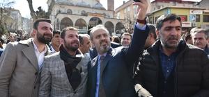 Aktaş'tan miting gibi açılış Büyükşehir Belediye Başkanı Alinur Aktaş'ın seçim bürosu açılışı adeta mitinge dönüştü