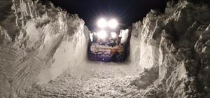 Hakkari'de 18 yerleşim yerinde karla mücadele