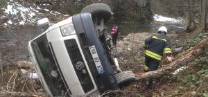 Giresun'da öğrencileri taşıyan araç kaza yaptı: 5 öğrenci kazada, 7 kişi ise kaza yapanları kurtarmak isterken yaralandı