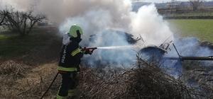 Çift sürerken traktörü alev aldı Çiftçinin traktörü alev alev yandı