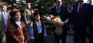 """Bakan Dönmez: """"AK Parti belediye hizmetlerinde kendini ispat etti"""" Enerji ve Tabii Kaynaklar Bakanı Dönmez'e dronesavarlı koruma"""
