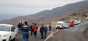 Kayıp 2 kişinin cansız bedeni 500 metrelik uçurumda bulundu Otomobille 500 metrelik uçuruma düşen 2 kişinin cesedine 2 gün sonra ulaşıldı