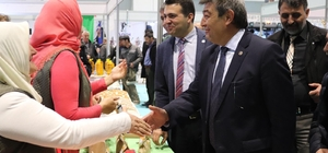 """İYİ Parti Kayseri Büyükşehir Belediye Başkan Adayı Ataş, """"Önce değişim sonra gelişim olacak, söz veriyoruz"""""""