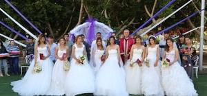 8 Mart'ta 8 nikah Mersin'in merkez Mezitli ilçesinde, 8 Mart Dünya Emekçi Kadınlar Günü'nde, 8 çiftin toplu nikahı kıyıldı