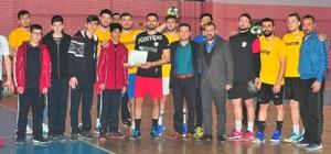 Öğrencilerden Yozgat Bozokspor'a tatlı ikramı