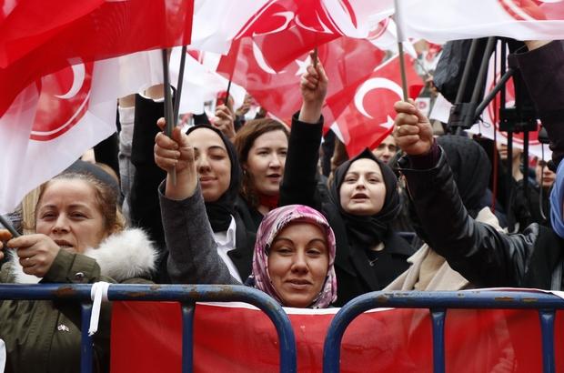 """Devlet Bahçeli'den Avrupa Parlamentosu kararına sert tepki MHP Genel Başkanı Devlet Bahçeli: """"Aslında istiyorlar ki, bölünelim. İstiyorlar ki, Sevr şartlarına ricat edelim"""" """"Dayatıyorlar ki, birbirimize girelim, birbirimizden kopalım"""" """"Bize parmak sallıyorlar. Bize aba altından sopa gösteriyorlar. FETÖ'cülerin, PKK'lıların tesiriyle Türkiye hakkında değerlendirme yapıyorlar"""""""