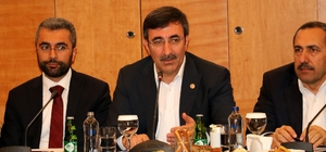 """AK Parti Genel Başkan Yardımcısı Yılmaz: """"Birbirine benzemez partileri kim bir araya getiriyor?"""""""