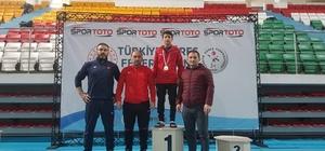 Hayatı güreşle değişti Öğretmeninin tavsiyesiyle güreşe başlayan 16 yaşındaki Umut Çoban, Türkiye şampiyonu oldu