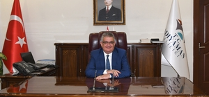 Vali Pekmez 18 Mart Çanakkale Şehitlerini andı