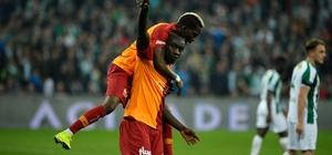 Spor Toto Süper Lig: Bursaspor: 2 - Galatasaray: 3 (Maç sonucu)