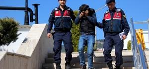Kablo hırsızı tutuklandı Menteşe'nin kırsal mahallesi Dokuzçam Mahallesinden telefon kabloları kestikten sonra yakalanan şüpheli N.S. çıkarıldığı mahkemece tutuklandı.