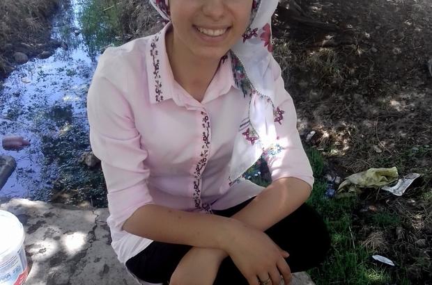 17 yaşındaki kızdan 21 gündür haber alınamıyor Diyarbakır'ın Silvan ilçesinde dershaneye giden 17 yaşındaki Zeynep Eken, iddiaya göre dershane çıkışı 6 kişi tarafından kaçırıldı Bu tarihten beri kardeşlerinin bulunması için çalmadık kapı bırakmayan Eken ailesi, yetkililerden yardım bekliyor